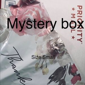 Ladies Mystery box size small